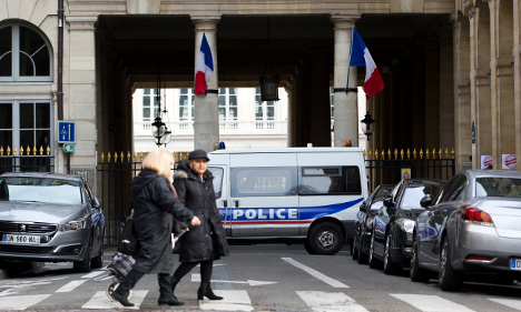 France rejects criticism of 'ethnic profiling'