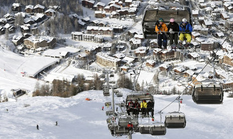 French ski resorts 'lying about how long their pistes are'
