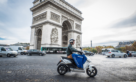 Paris gives green light for 1,000 electric scooters