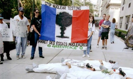 Hollande almost says sorry for the 193 Pacific nuclear tests