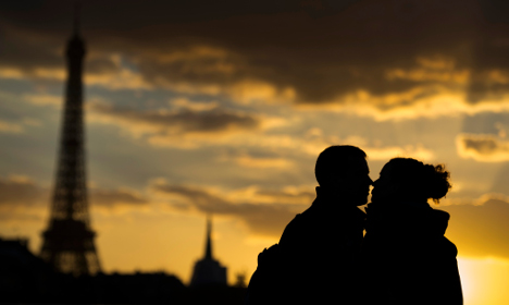 French turning to web to find love (but they won't admit it)