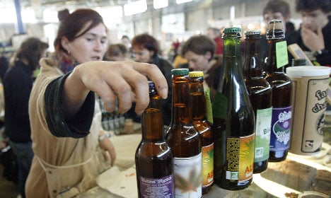 French farmers face booze crackdown at Paris show