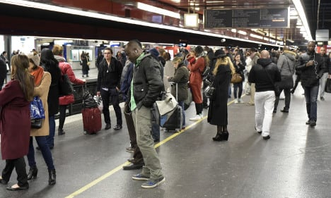 Trains and flights hit by French transport strike