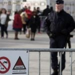 French police warn public after rumours of Paris attack