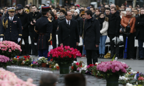 Paris victims to grill Hollande on fight against Isis