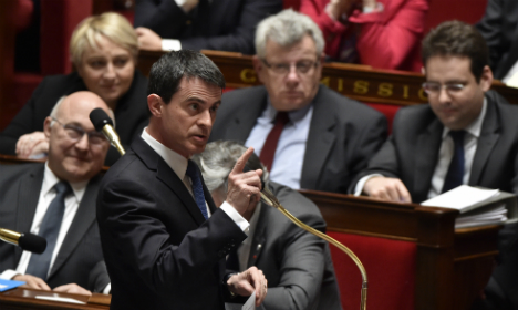 Valls presses ahead with French labour reform