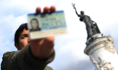 France scraps plan to strip jihadists of French nationality