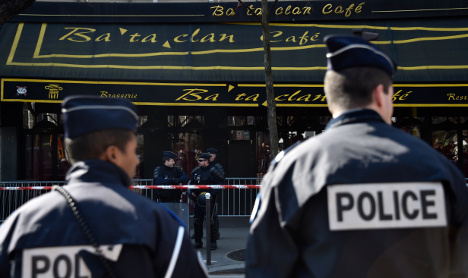How a show of hands saved 40 from Bataclan gunmen