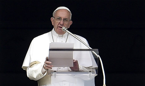 French victims of paedophile priest demand Pope talks