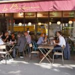 Why do the French take such long lunch breaks?