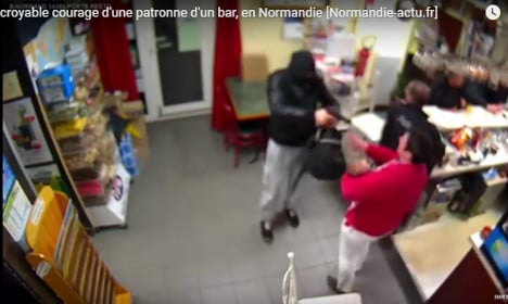 VIDEO: Frenchwoman with baby fights off armed robber