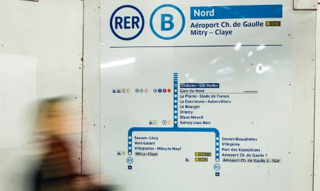 New strikes hit flights and trains in Paris