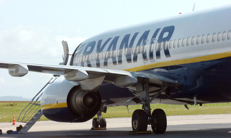 Drunk English men booted off Ryanair flight in France