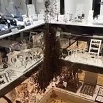 VIDEO: Jewellers in southern France raided by... swarm of bees