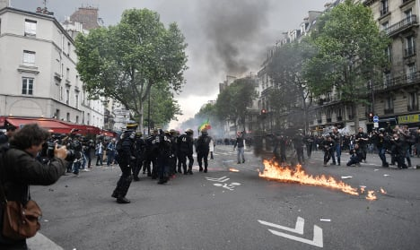 Police and protesters clash again in French cities