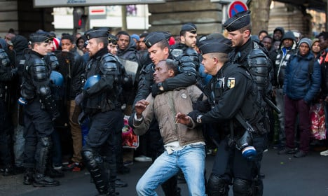 Police evict 1,350 migrants from Paris camp once again