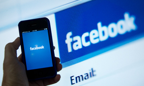 French groups sue Twitter and Facebook for allowing abuse