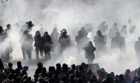 May Day march in Paris descends into violent clashes