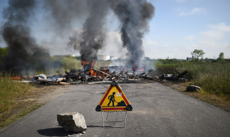 Fuel crisis eases as French police unblock depots