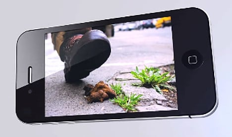 New app aims to rid Paris pavements of dog poo
