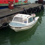Calais migrants use tiny boats to cross Channel