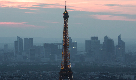 France wants Paris to profit from London's losses
