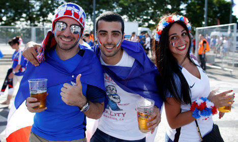 Hollande says France is healing around Euro 2016 final