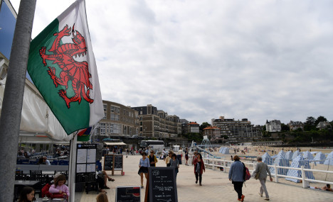 Brittany town falls for charm of Wales and feeling is mutual