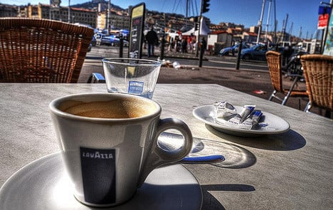 €10 for a coffee on the terrace! French café takes a stand