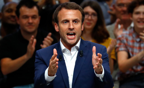Rising star Macron lays down challenge to Hollande
