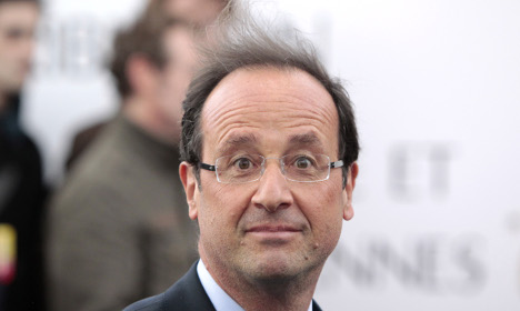 Hollande's personal barber 'earns €10,000 a month'