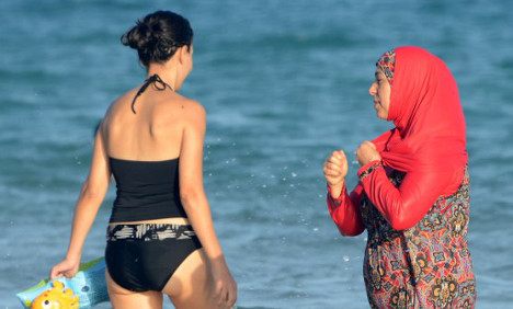 Majority in France against burqinis on beaches