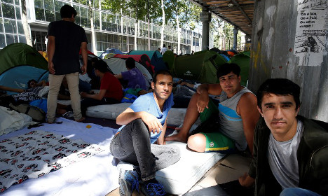 France urges members of the public to take in refugees