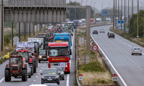 Calais locals hold demo to protest Jungle migrant camp