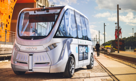 France rolls out 'world's first' driverless buses