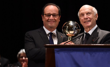 Unloved Hollande named 'World Statesman of the Year'