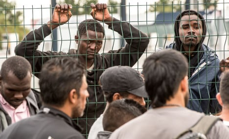 French towns divided over taking in Calais migrants