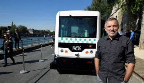 First driverless minibus goes on trial in Paris