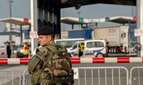 Near 'disaster' in Calais as cops stumble into mock attack