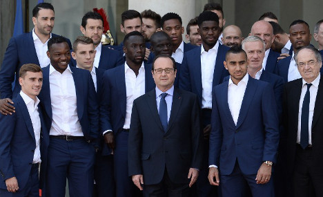 French footballers hit back after Hollande lays the boot in