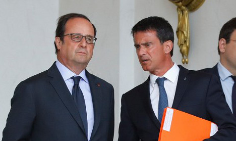 Hollande's woes grow as French PM breaks ranks