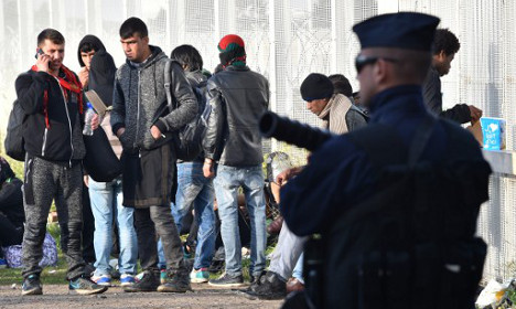 '3,000 migrants dispersed' after 'Jungle' clearance