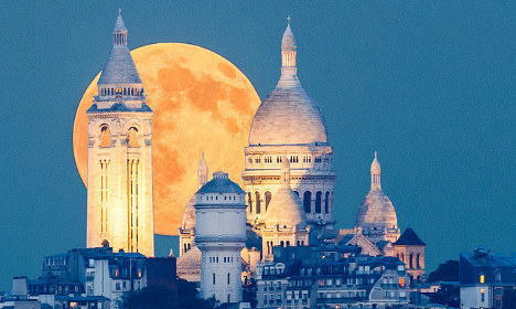 Supermoon sightings in France threatened by clouds
