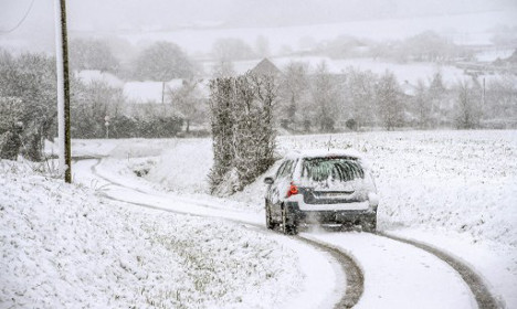 Snow hits French ski slopes (and even Paris)