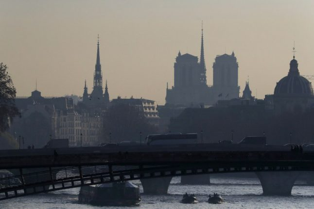 Paris to get fresh air this weekend, but pollution could return