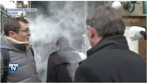 VIDEO: Ex-French PM Manuel Valls gets flour bombed by protester