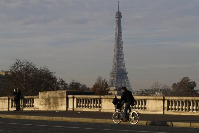 French docs demand action over deadly pollution levels