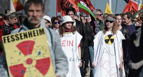 France to close oldest nuclear plant (much to relief of the Swiss and the Germans)