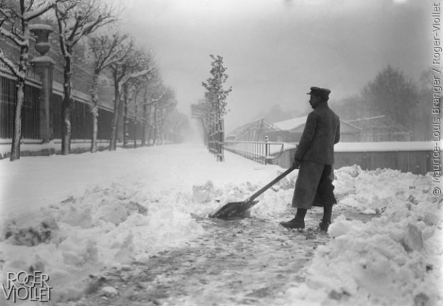 IN PICTURES: You think it's cold in Paris now but look how chilly it got in days gone by