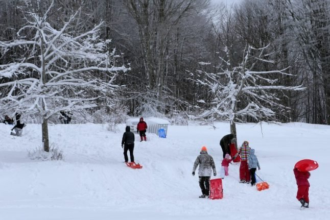 France braced for icy spell with mercury set to plummet to -11C